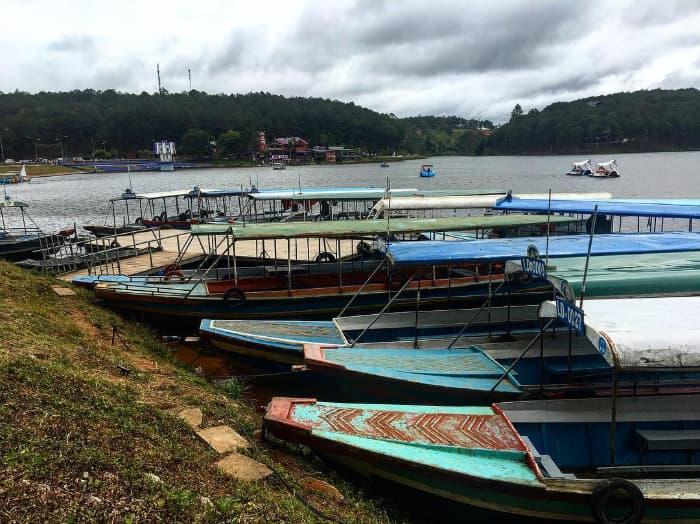 Bến thuyền ở Hồ Tuyền Lâm