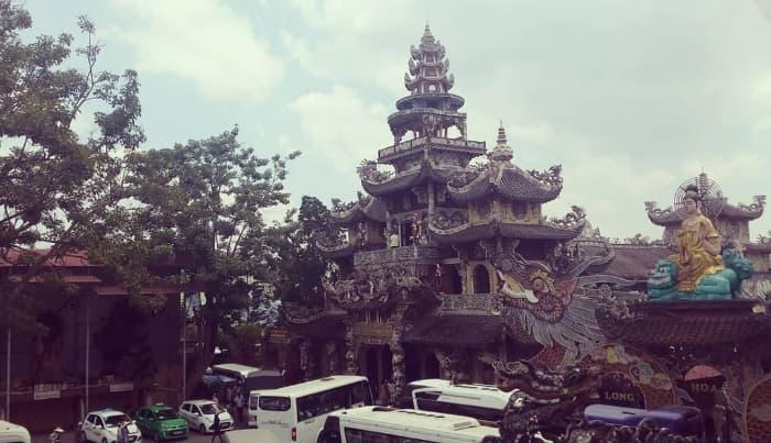 Chùa Ve Chai (Đà Lạt)