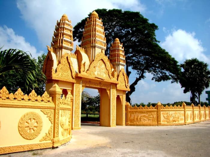 Cổng chùa Xiêm Cán
