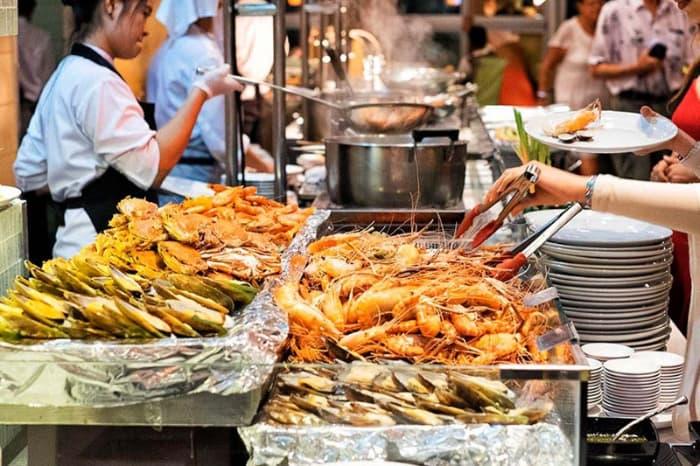 Các món hải sản cực kỳ hấp dẫn Buffet hải sản Baiyoke Sky Bangkok