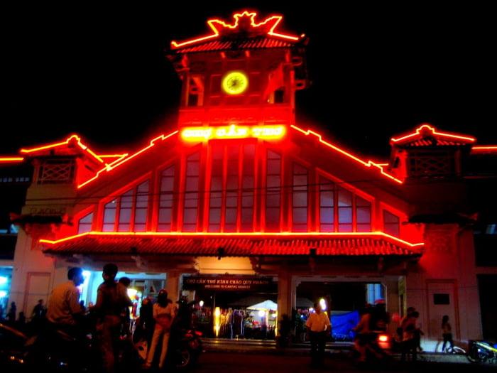 Địa điểm du lịch Cần Thơ về đêm: Chợ Cần Thơ (chợ cổ Cần Thơ)