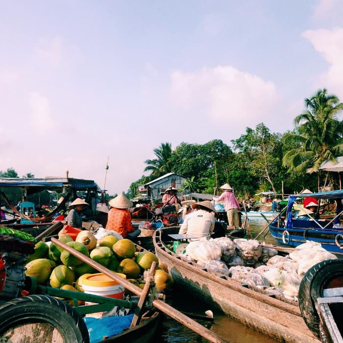 Địa điểm du lịch Cần Thơ: Chợ nổi Phong Điền