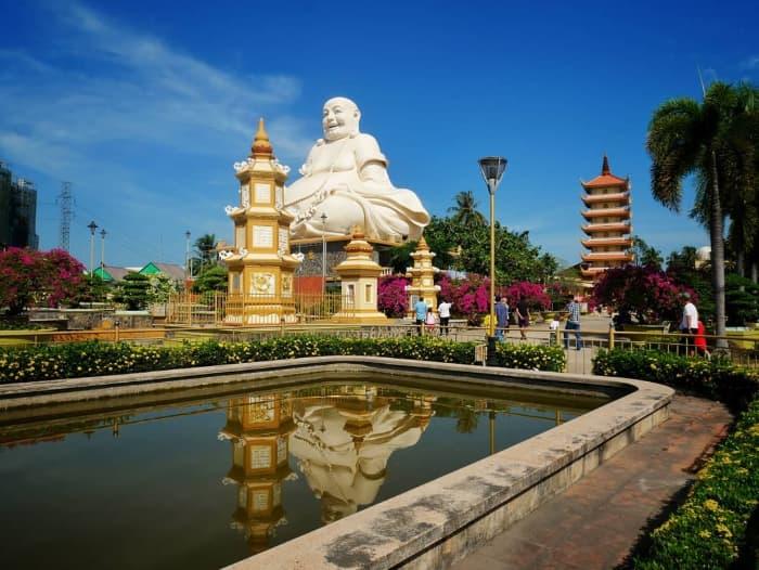 Tượng Phật Di Lặc ở Chùa Vĩnh Tràng