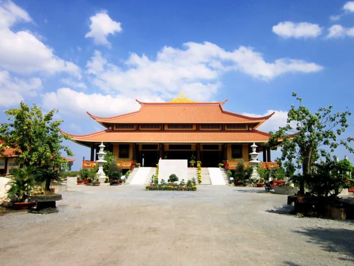 Chánh điện Thiền viện Trúc Lâm Chánh Giác ở Tiền Giang