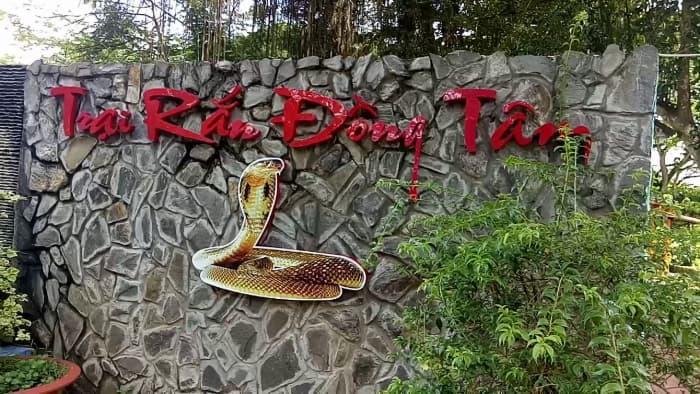 Trại rắn Đồng Tâm ở Tiền Giang