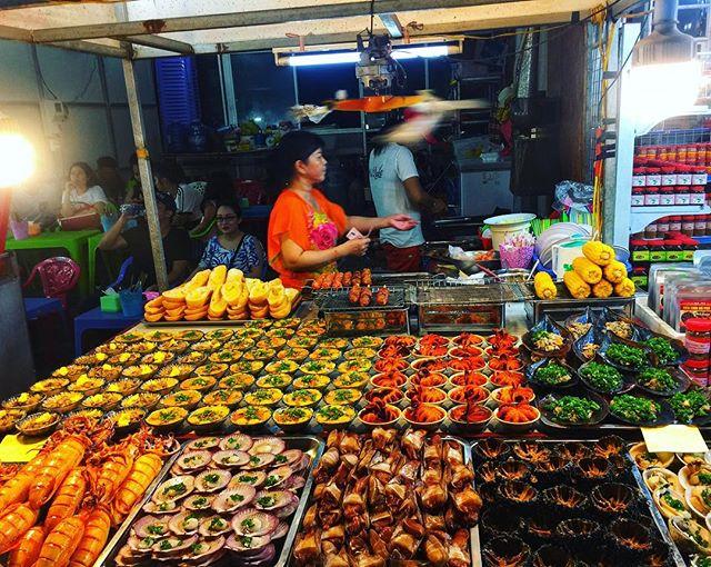 Chợ đêm Phú Quốc: Chợ đêm Dinh Cậu