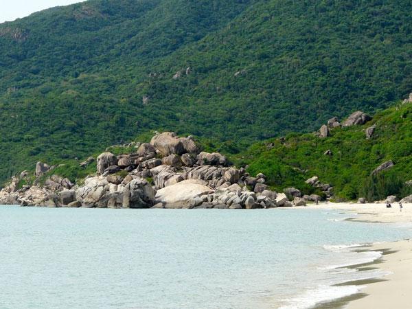 Biển Bình Tiên - Địa điểm du lịch Ninh Thuận thu hút du khách