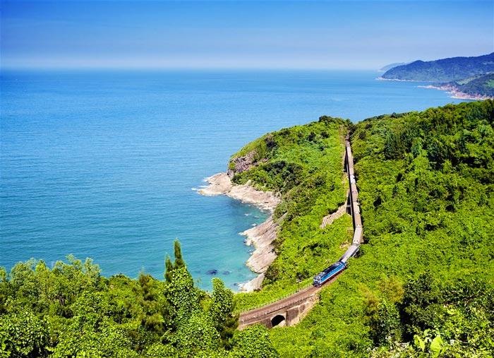 Kinh nghiệm du lịch Phú Yên tự túc 2019: Tàu thống nhất