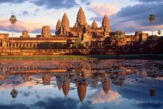 Đền Angkor Wat nổi tiếng ở Campuchia