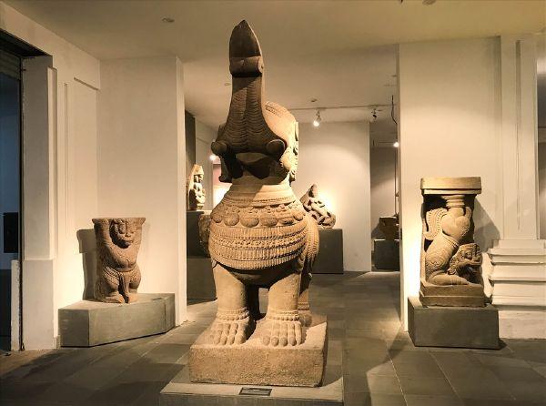 Cổ vật ở Bảo tàng văn hóa chăm Đà Nẵng
