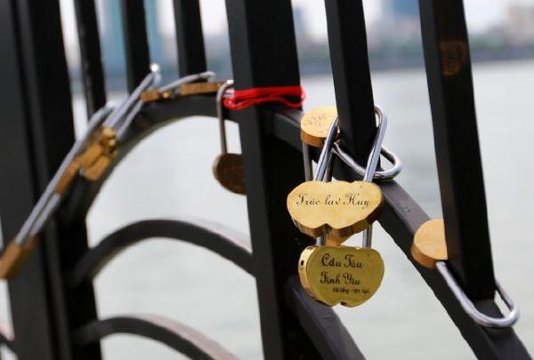 Ổ khóa tình yêu
