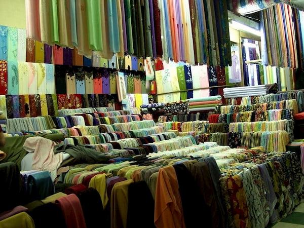 Cơ man các loại vải cho bạn tha hồ lựa chọn nhé